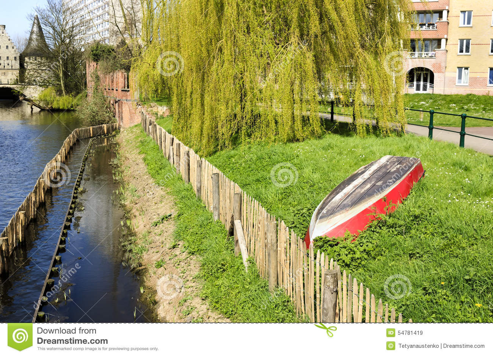 Bank Von Lieve Kanal In Gent Belgien Europa Stockbild Bild Von
