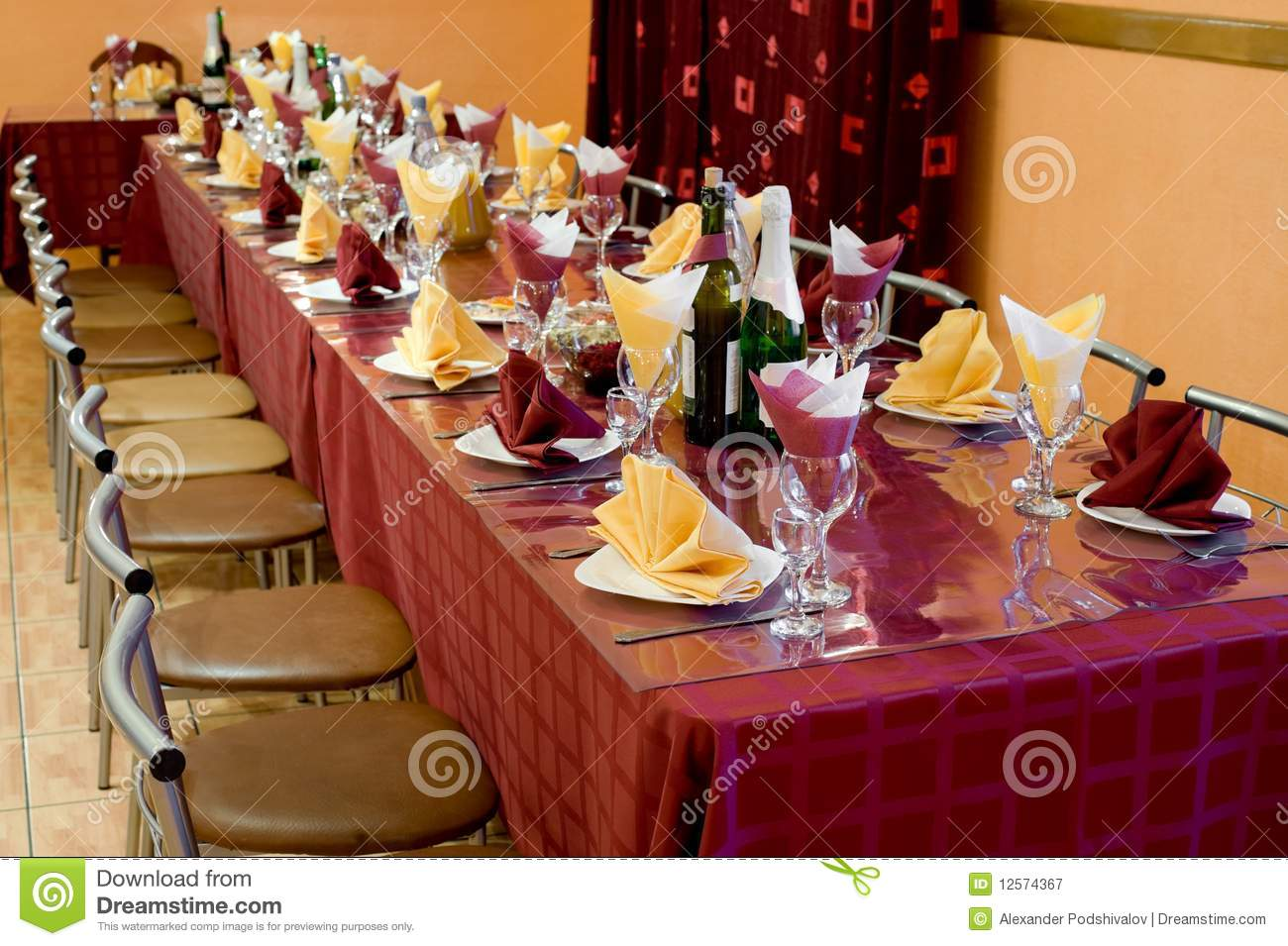 Banquet Bordeaux Table Royalty Free Stock Photography Image 12574367