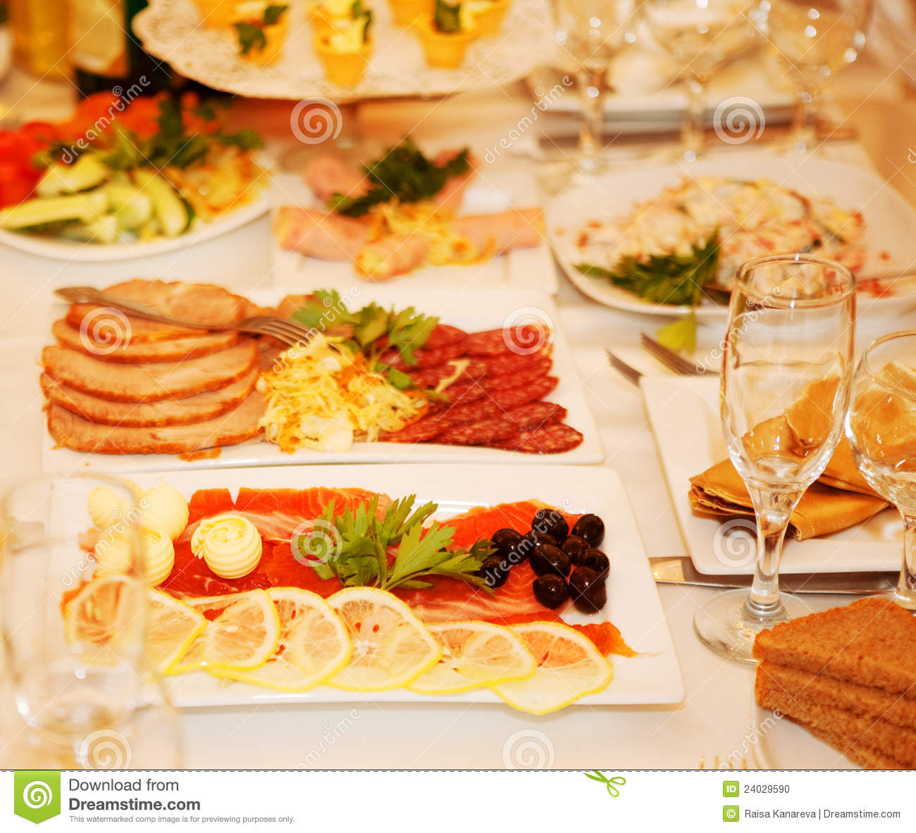 banquet table with food stock photo image of fresh banquet 24029590. Black Bedroom Furniture Sets. Home Design Ideas