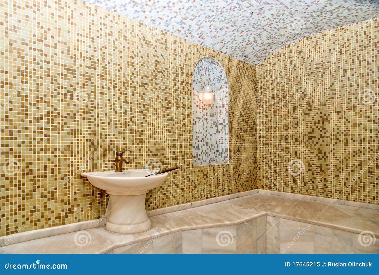 Ducha Con Baño Turco:Baño Turco Foto de archivo libre de regalías – Imagen: 17646215