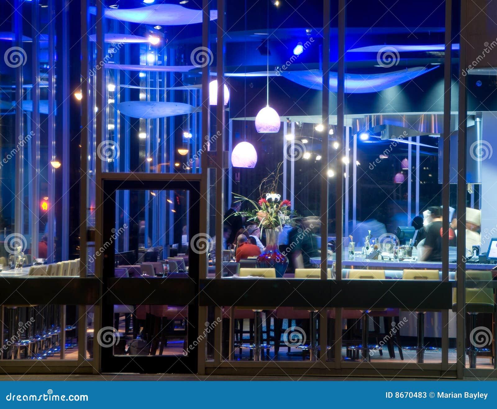 Bar de sushi la nuit