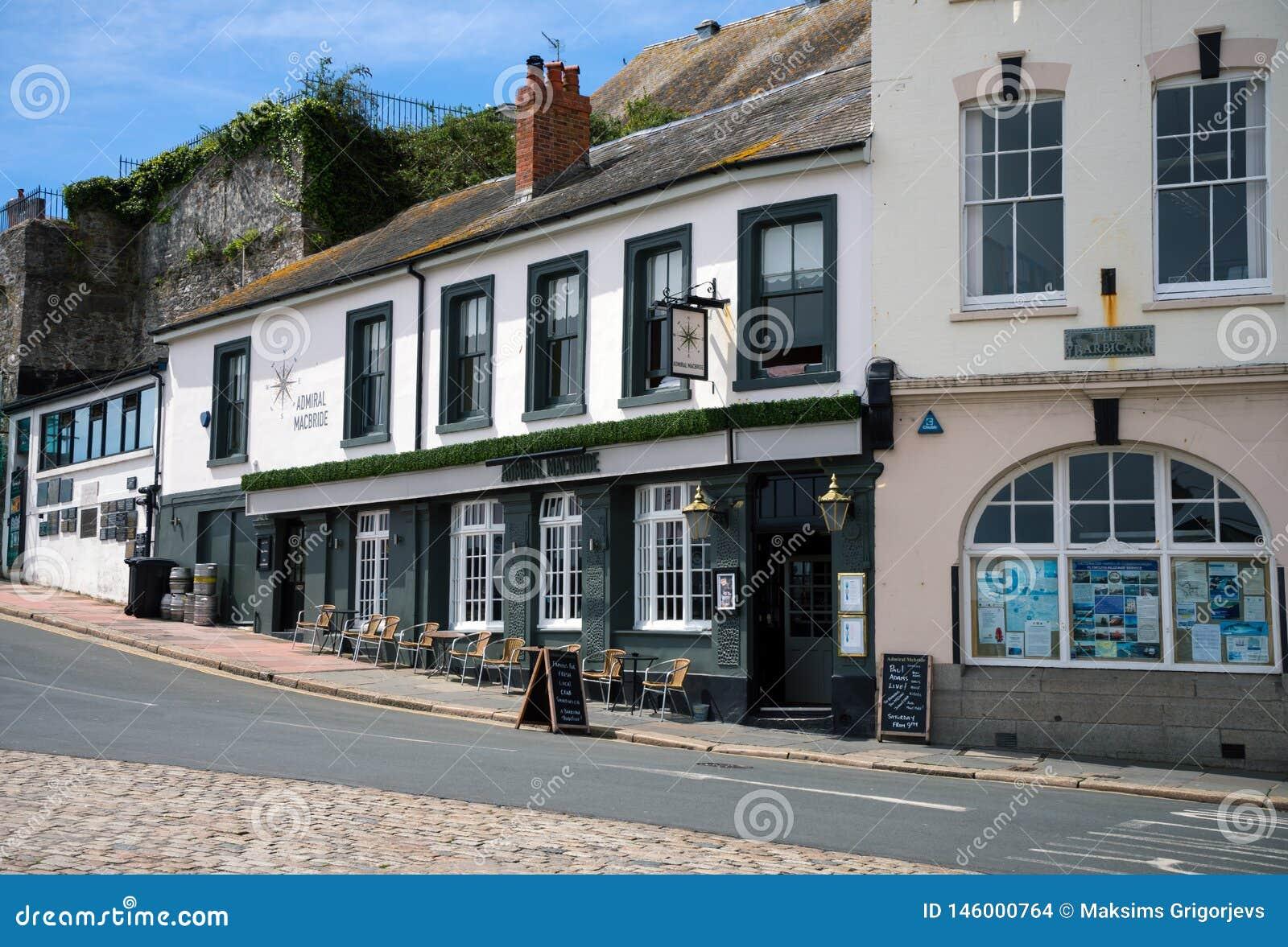 Bar em Plymouth, o Barbican do almirante Macbride, Devon, Reino Unido, o 23 de maio de 2018