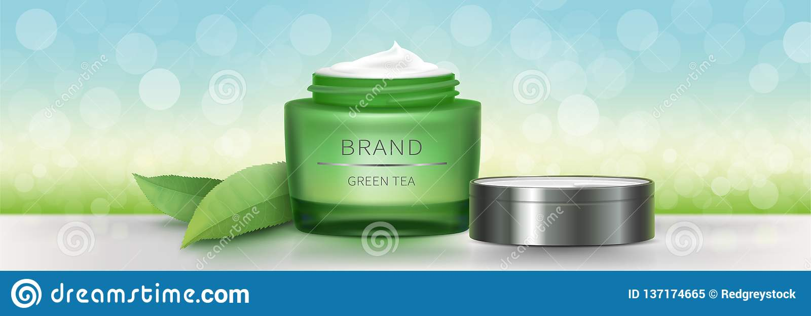 Barattolo di vetro verde con crema naturale