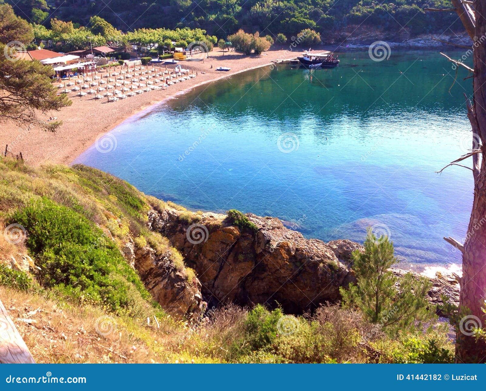 Barbarossa-Strand in Porto Azzurro, Italien