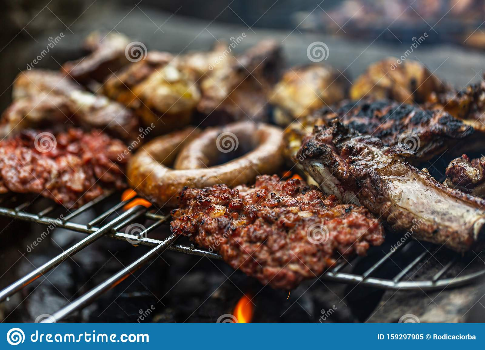 Barbeque Grill, Gemengd Vlees, Op Open Lucht Gekookt Stock