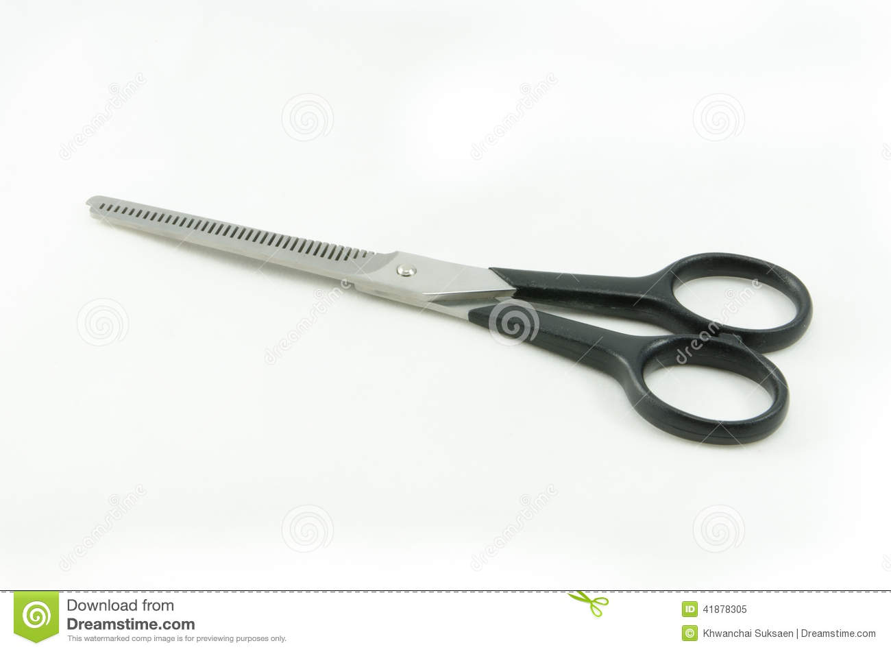 how to cut plastic with scissors