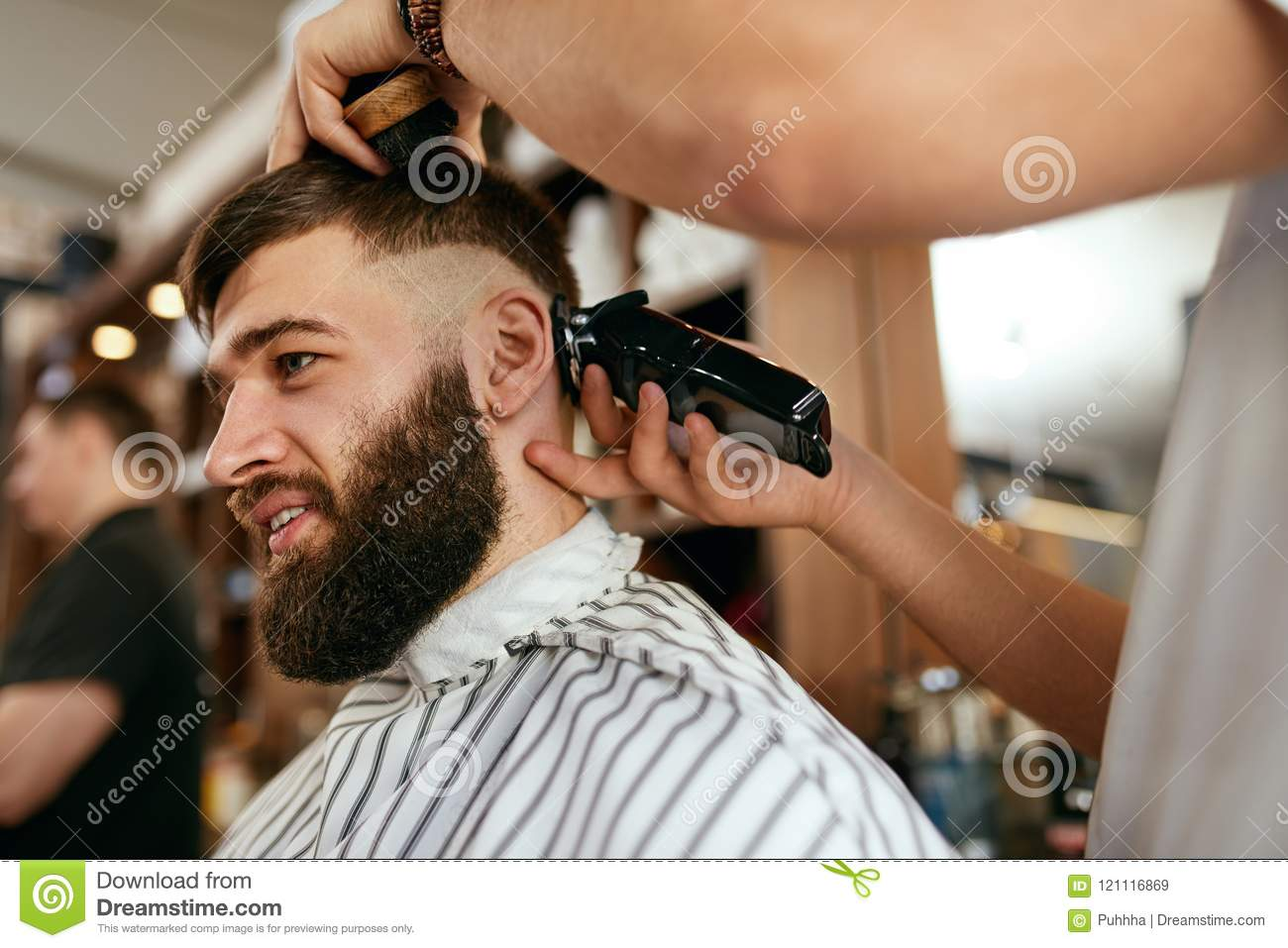 Groovy Barber Shop Men Hair Cut Barber Doing Men Fashion Hairstyle Stock Natural Hairstyles Runnerswayorg