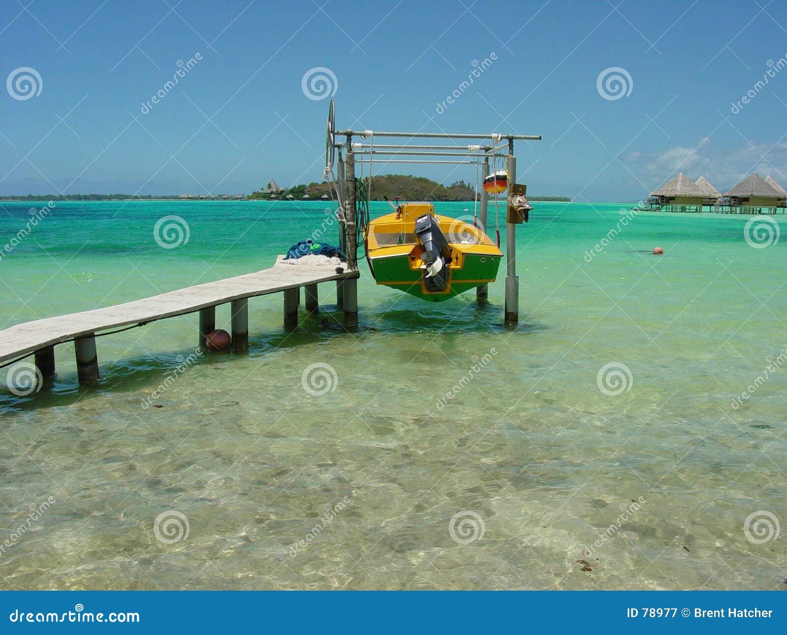 Barca in Bora Bora