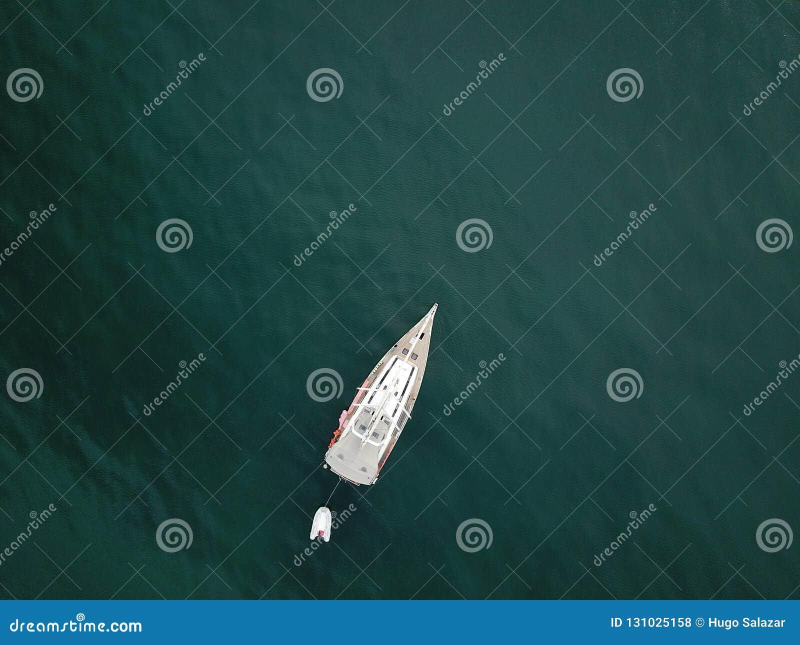 Barca dentro all oceano
