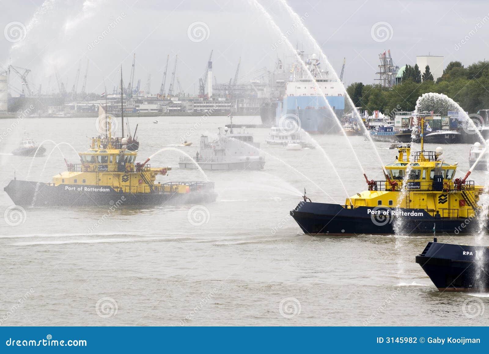 Barca di lotta antincendio