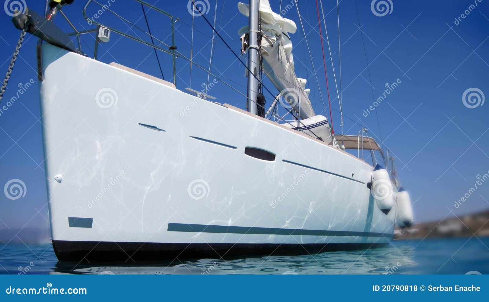 Barca o yacht di navigazione