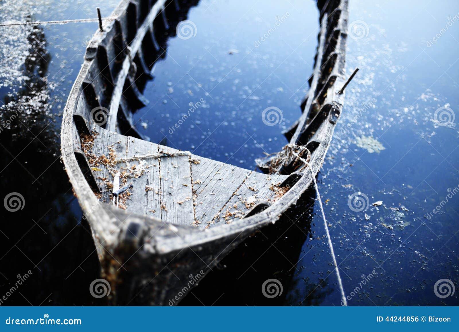 Barca rotta