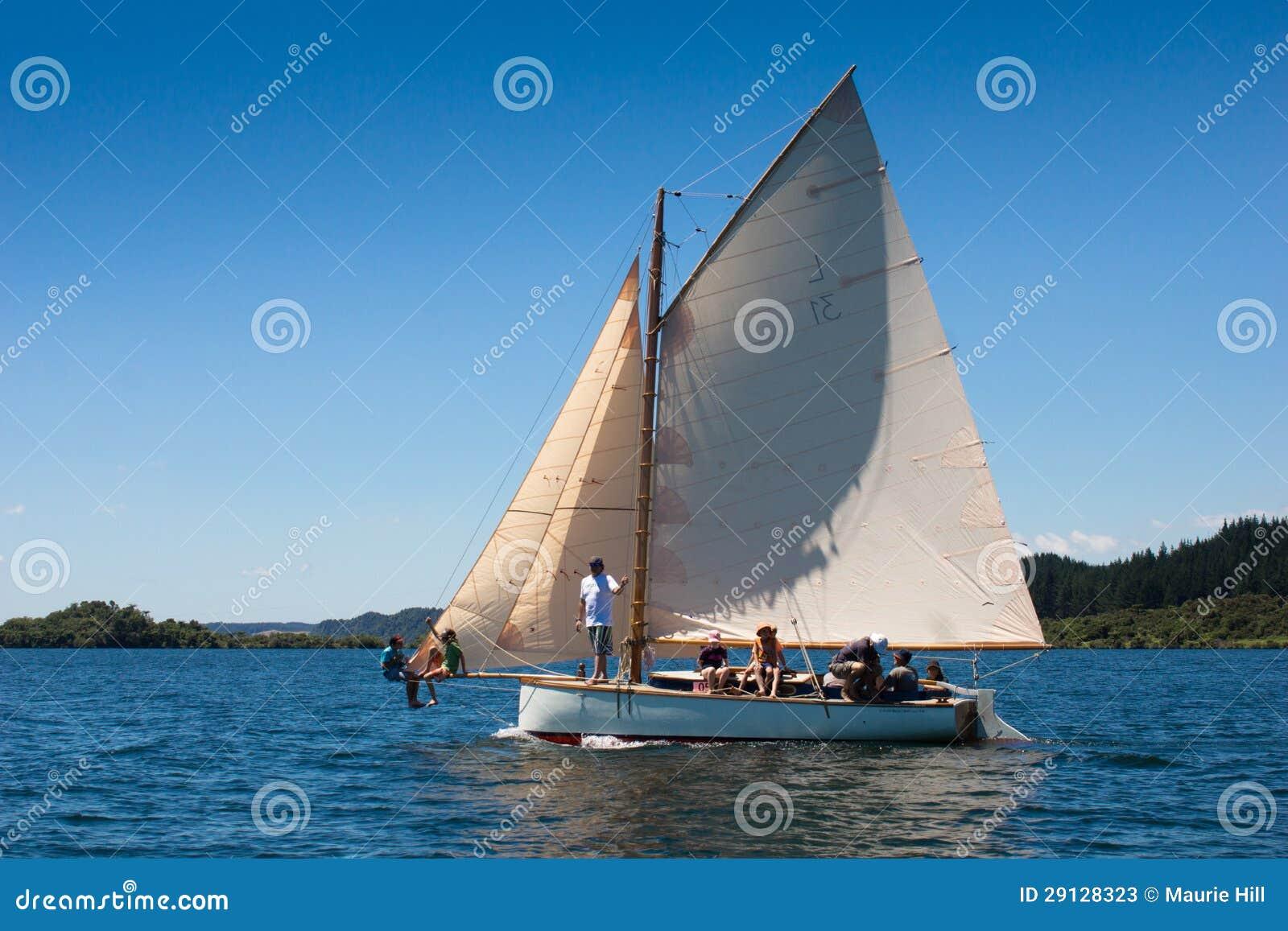 Barca A Vela Di Legno Del Veterano Fotografia Stock Editoriale - Immagine: 29128323