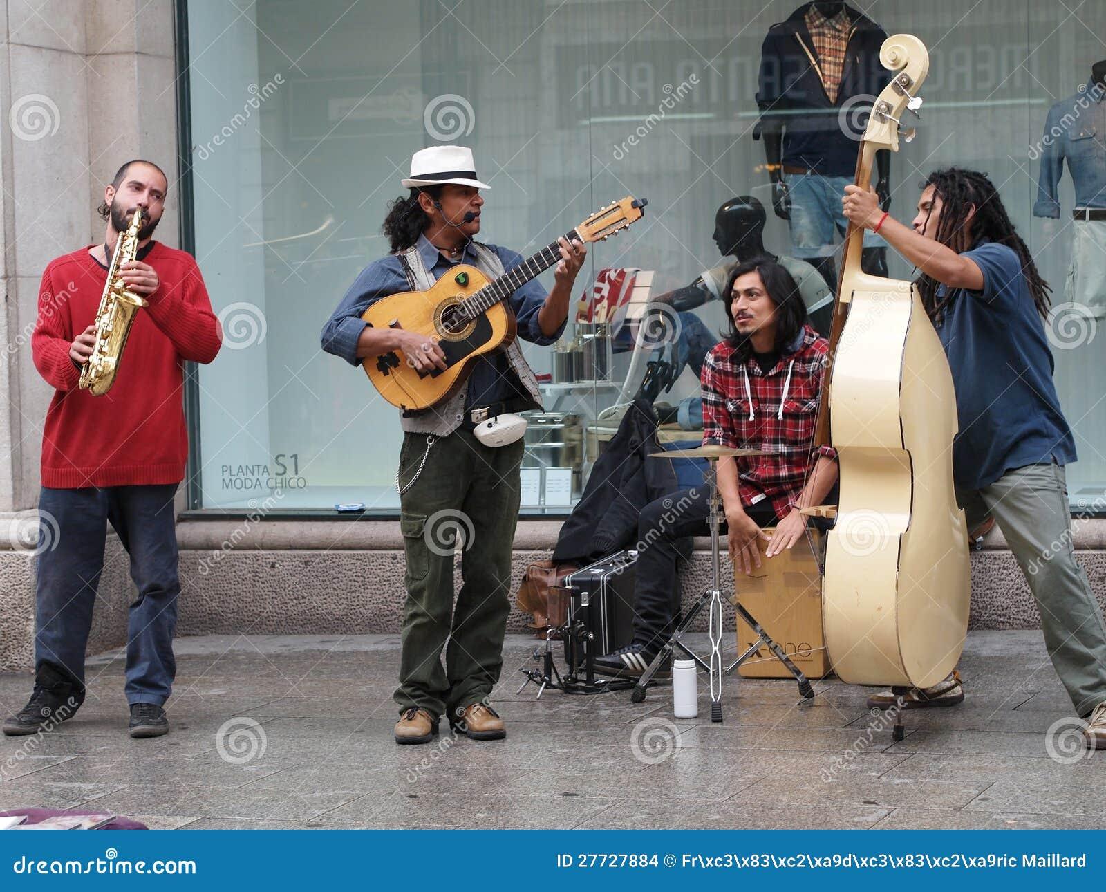 Barcelona April 2012, Straßenmusiker