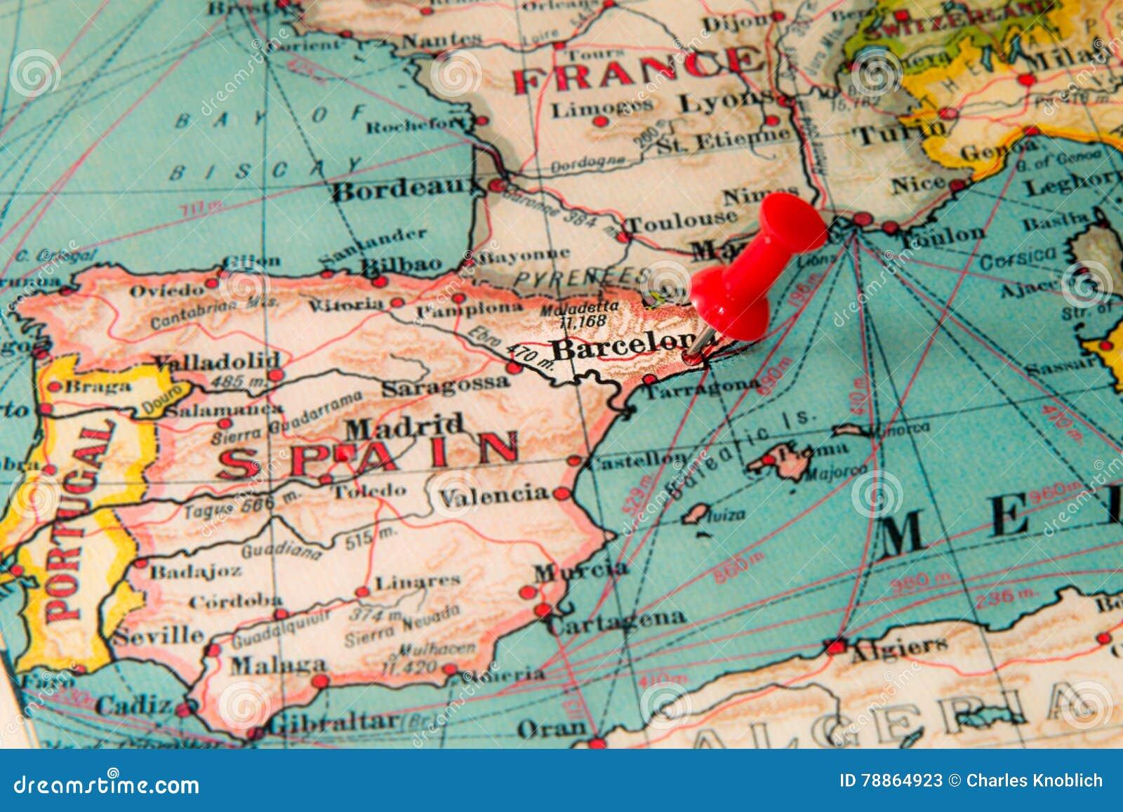 Barcelona Espanha Fixada No Mapa Do Vintage De Europa Imagem De