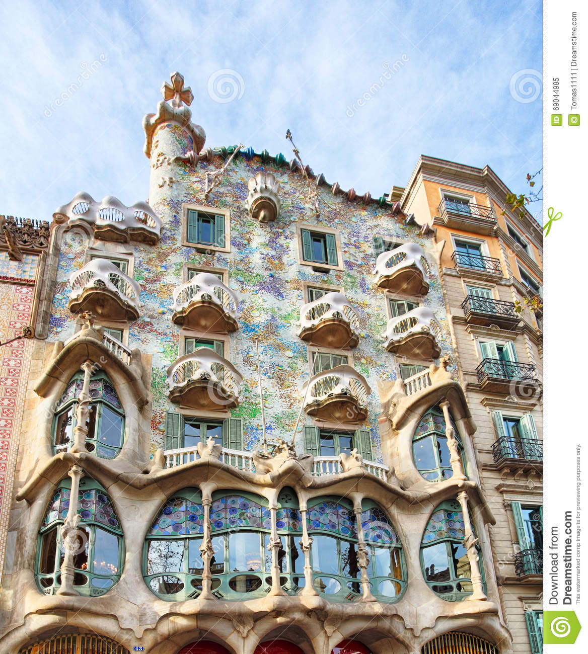 barcelona fabruary 9 die fassade der haus casa battlo als redaktionelles bild bild 69044985. Black Bedroom Furniture Sets. Home Design Ideas