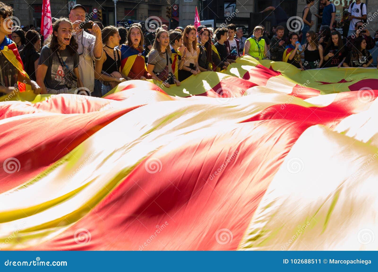 Barcelona, Hiszpania, 27 2017 Październik, masywni strajkowi studenci collegu