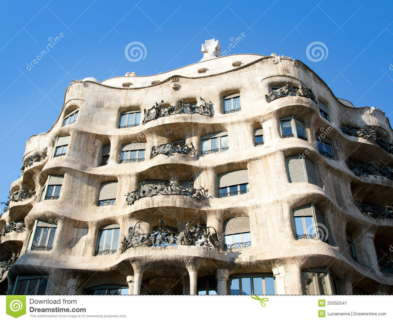 Barcelona la pedrera by gaudi architect stock image for La architecture