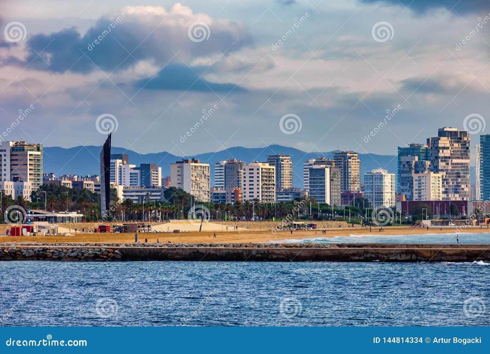Barcelona-Seeansicht-Skyline