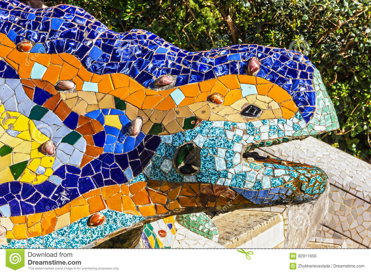 barcelona spain lizard mosaic sculpture in park guell stock photo image of landmark ceramic. Black Bedroom Furniture Sets. Home Design Ideas