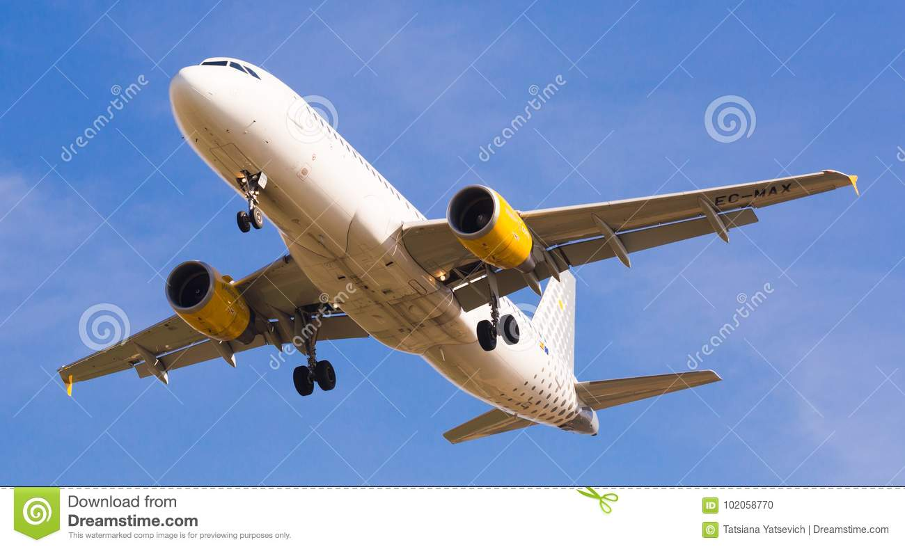 Vueling Airlines Plane Landing Editorial Image Image Of