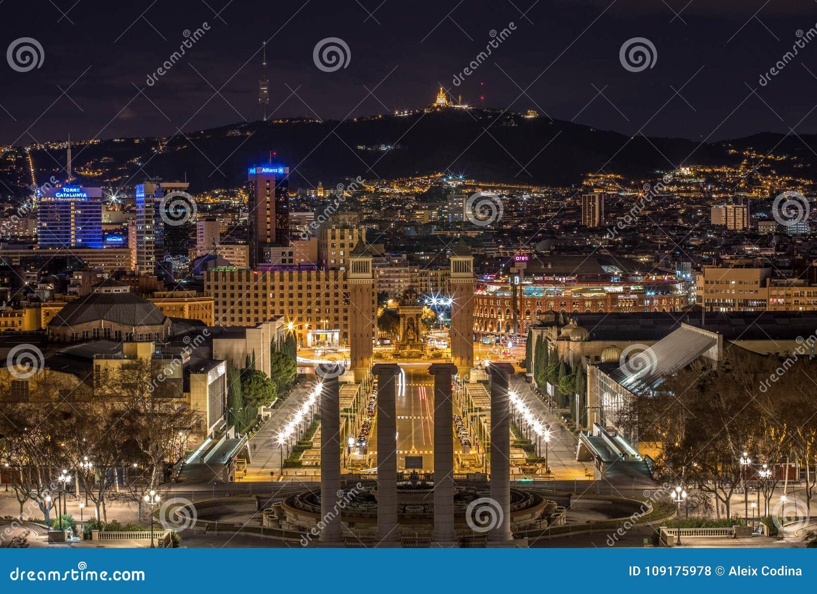 Barcelona-Stadtlichter in Montjuïc