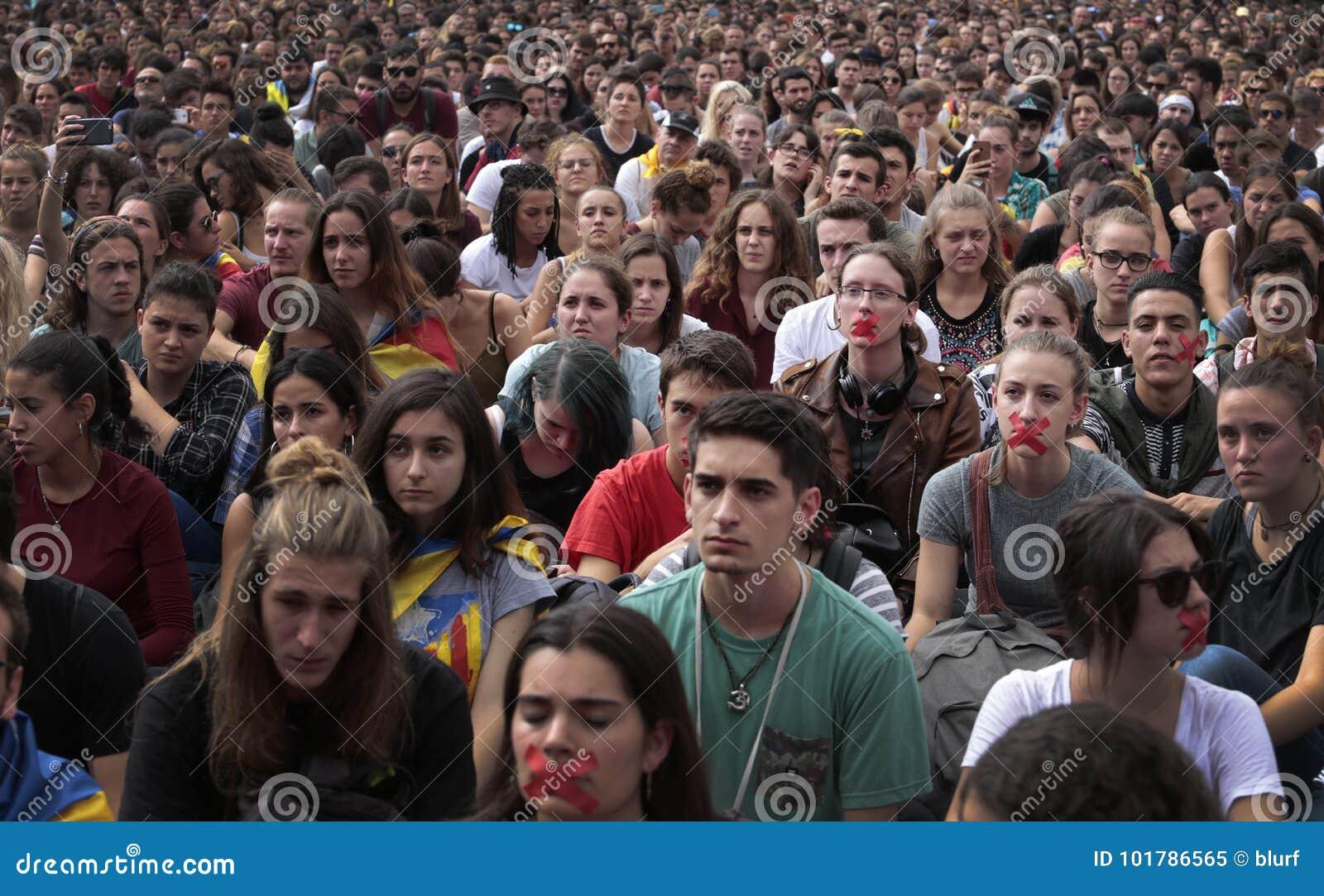 Barcelona uczni demonstracja dla niezależności szerokiej