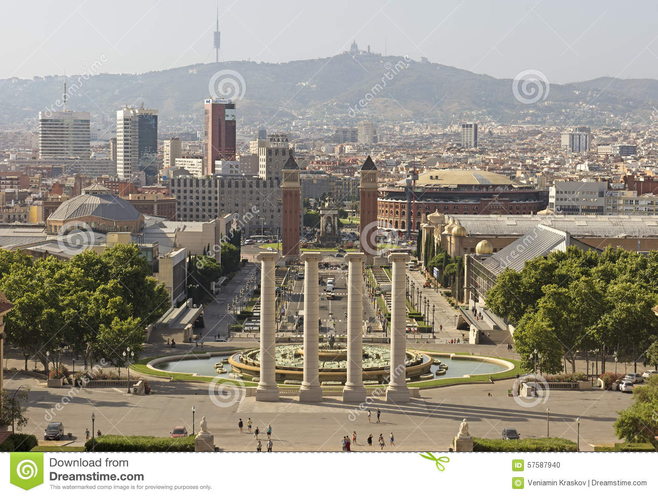 Barcelona view from montjuic mountain editorial image for Espectaculo fuentes de montjuic