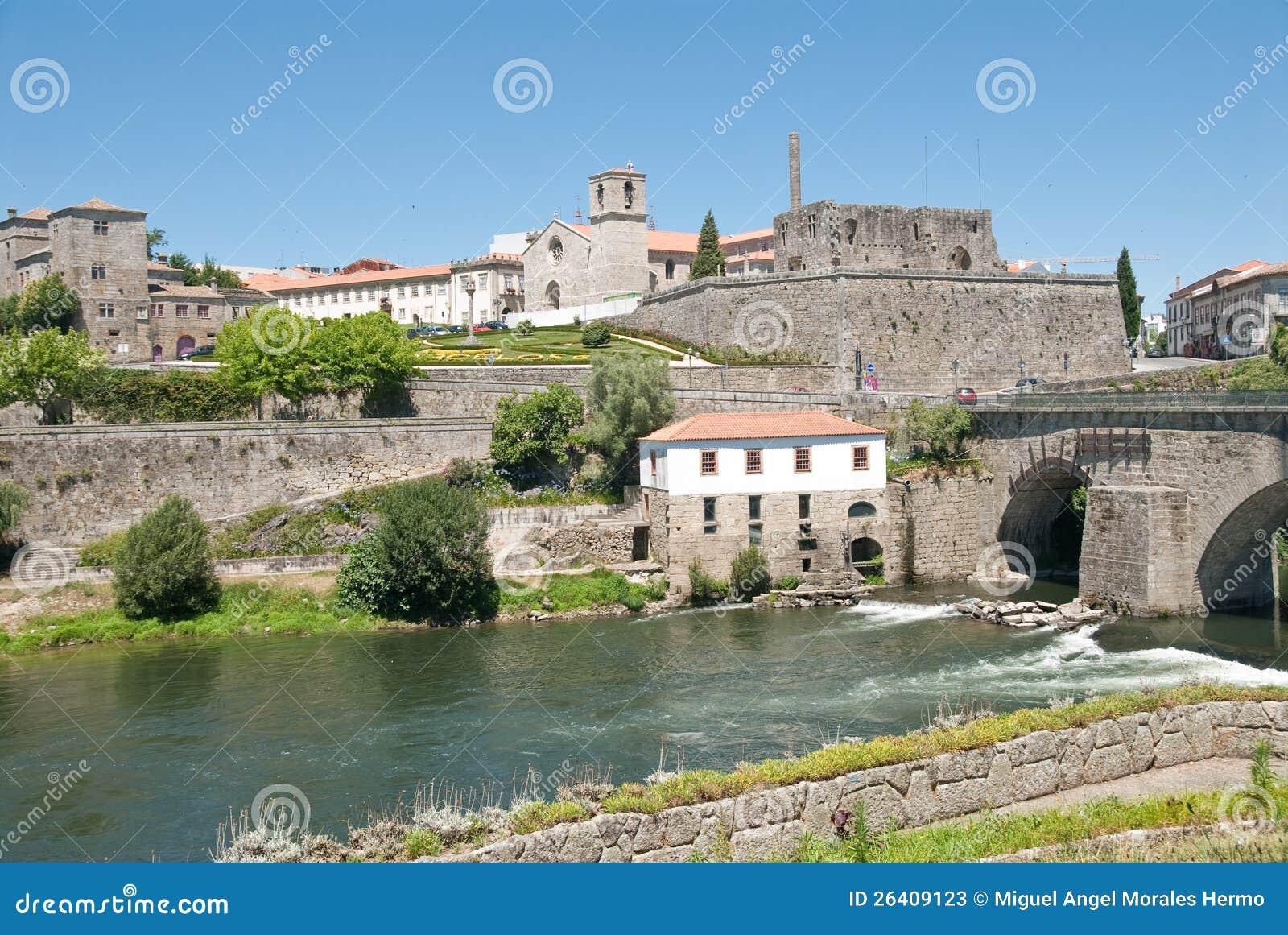 Barcelos portugal stock image image of medieval river for Acheter carrelage au portugal