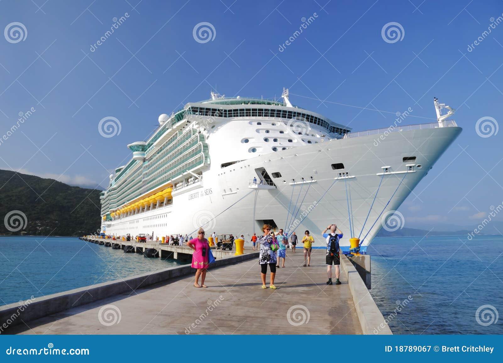 Barco de cruceros el Caribe Haití
