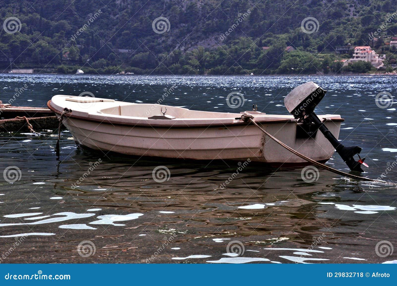 Barco de Fihing no mar