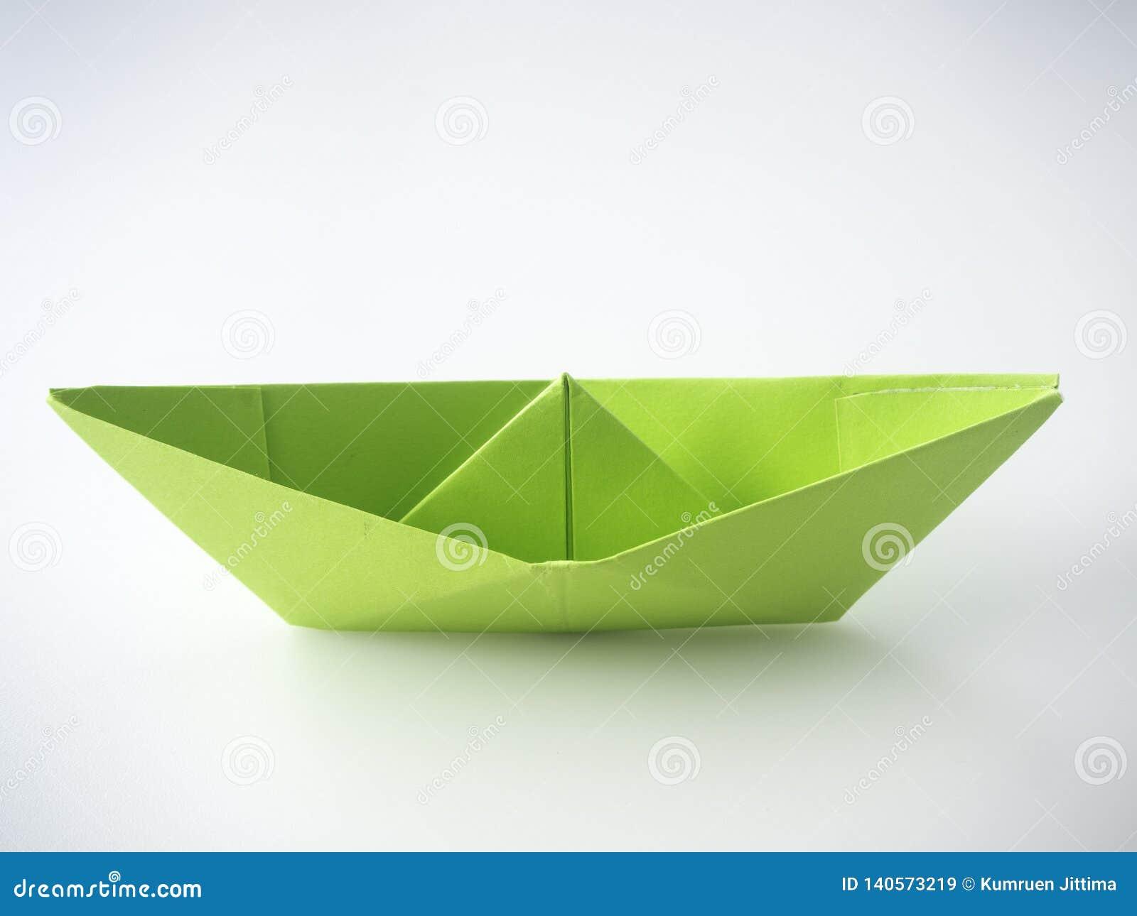 Barco del Libro Verde puesto en blanco