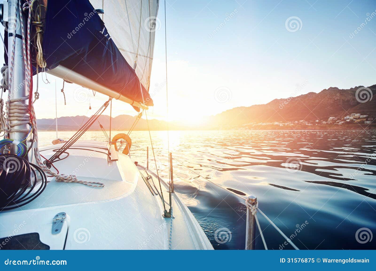 Barco del océano de la navegación