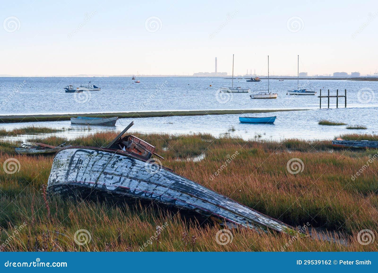Barco destruído