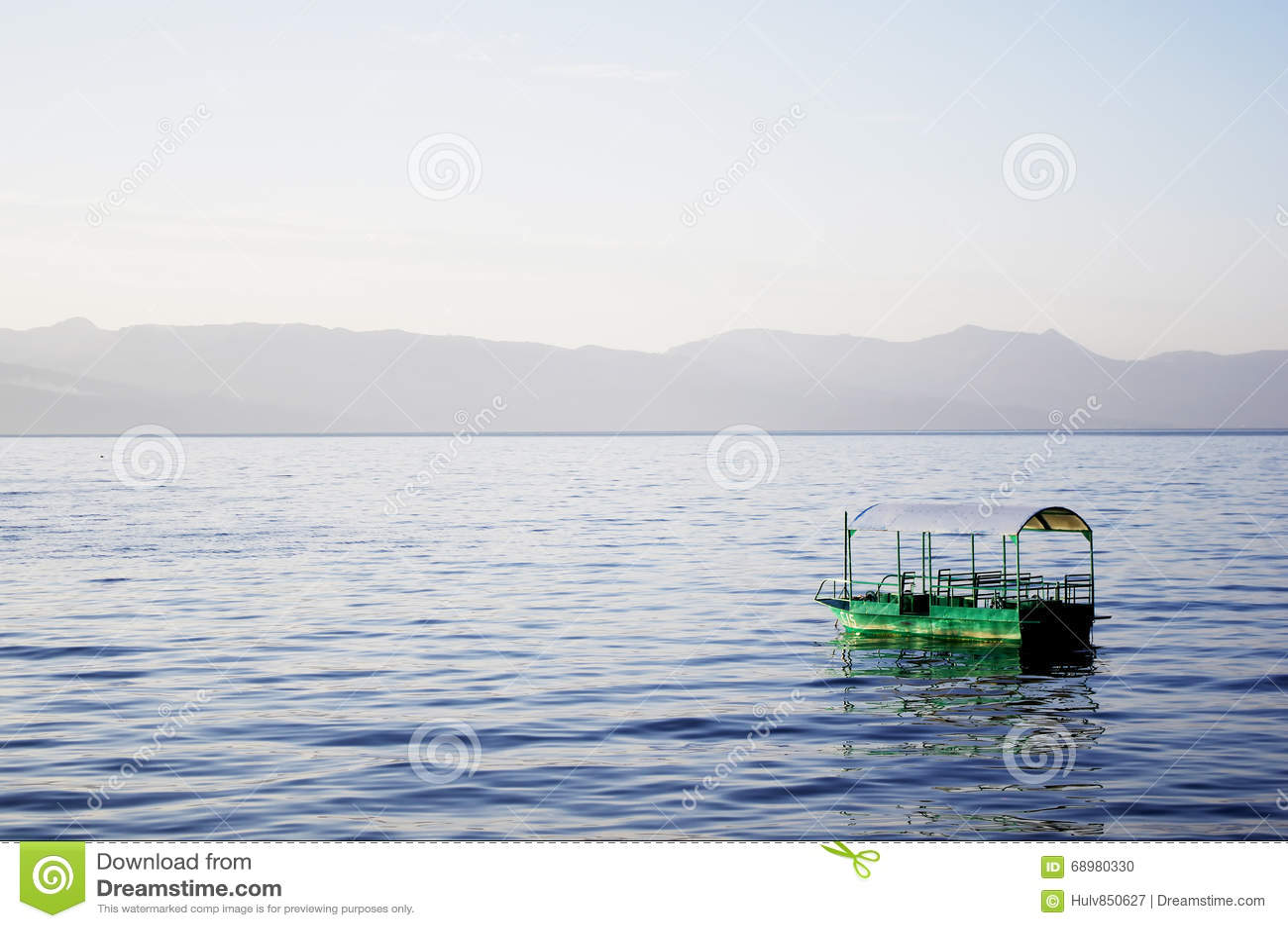 Barco en agua