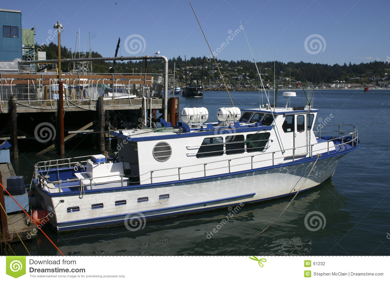 Barco en el puerto de Newport