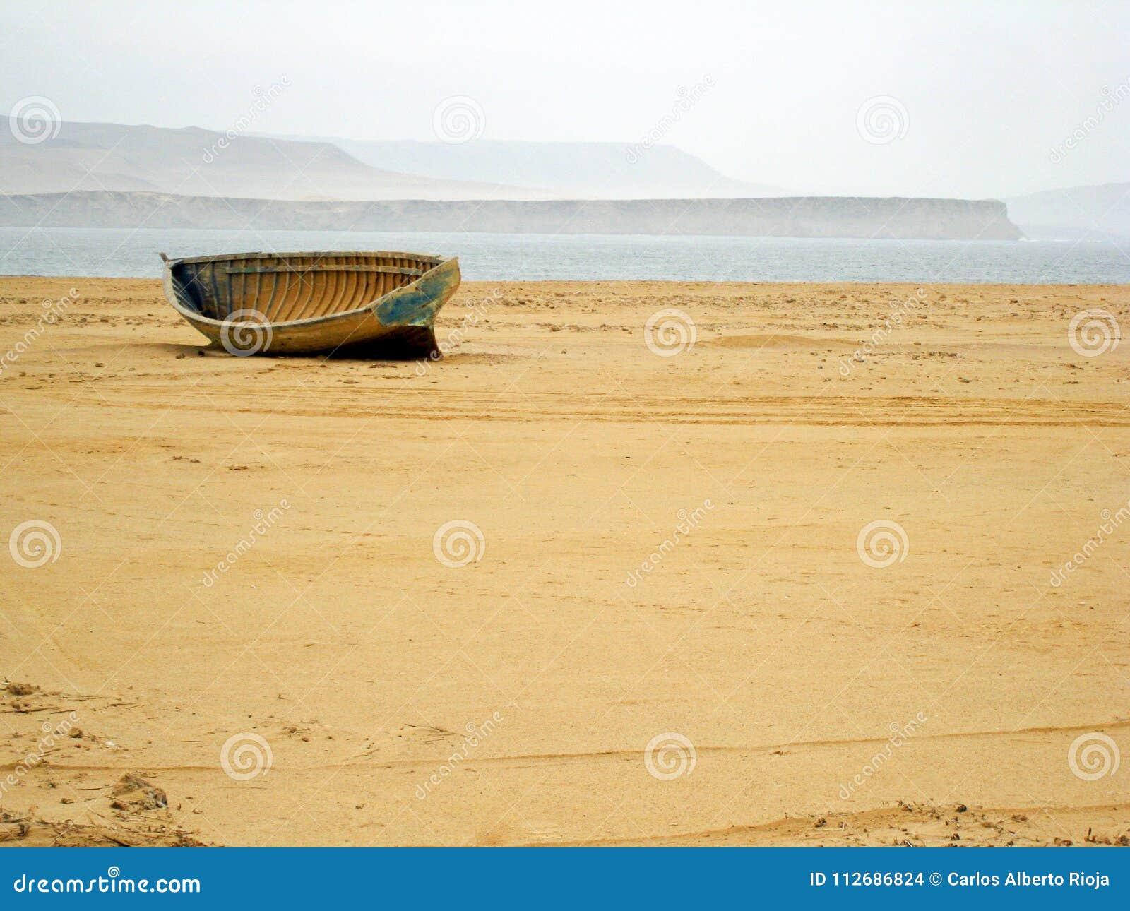 Barco no meio do deserto