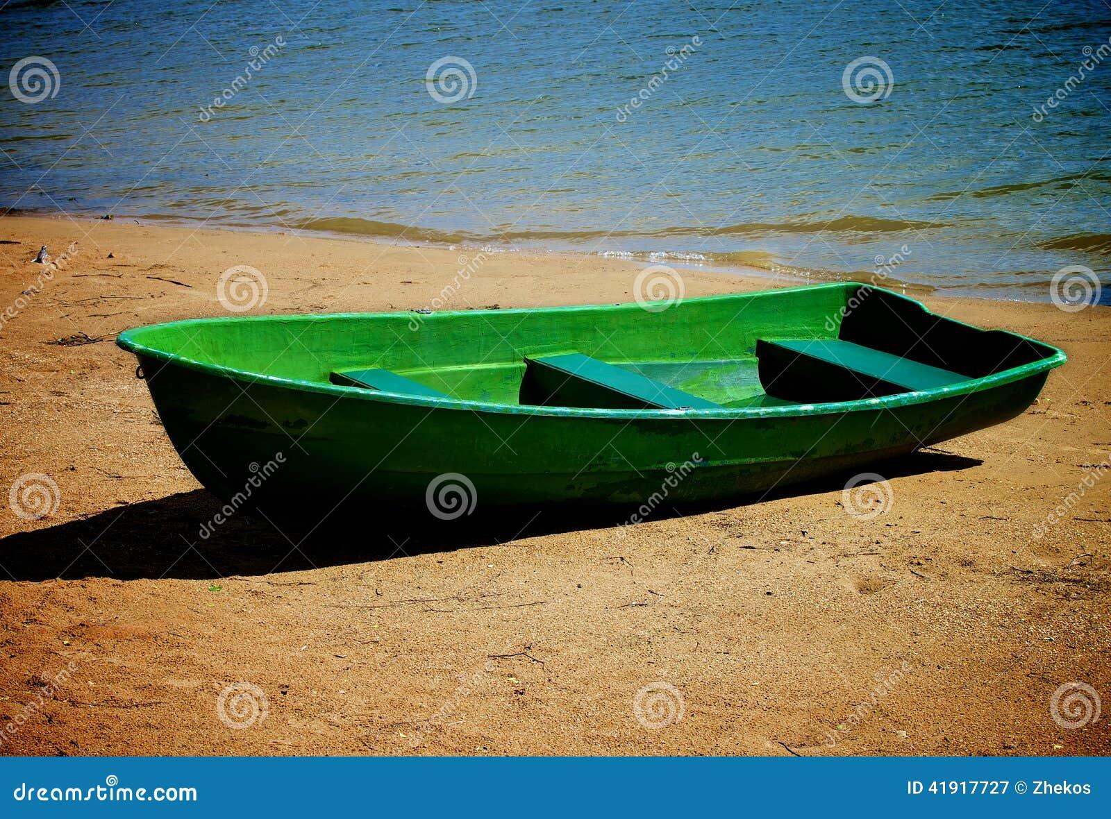 Barco solo viejo