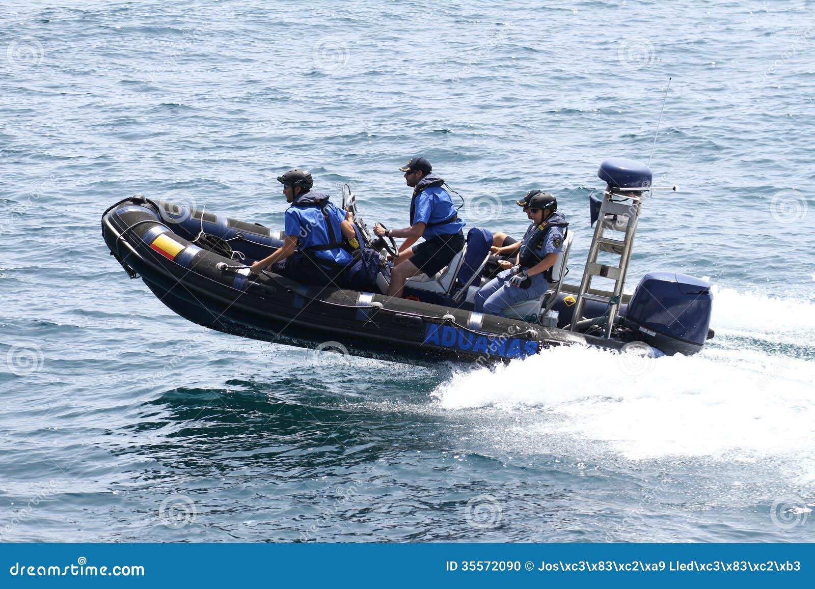 Barcos de las aduanas