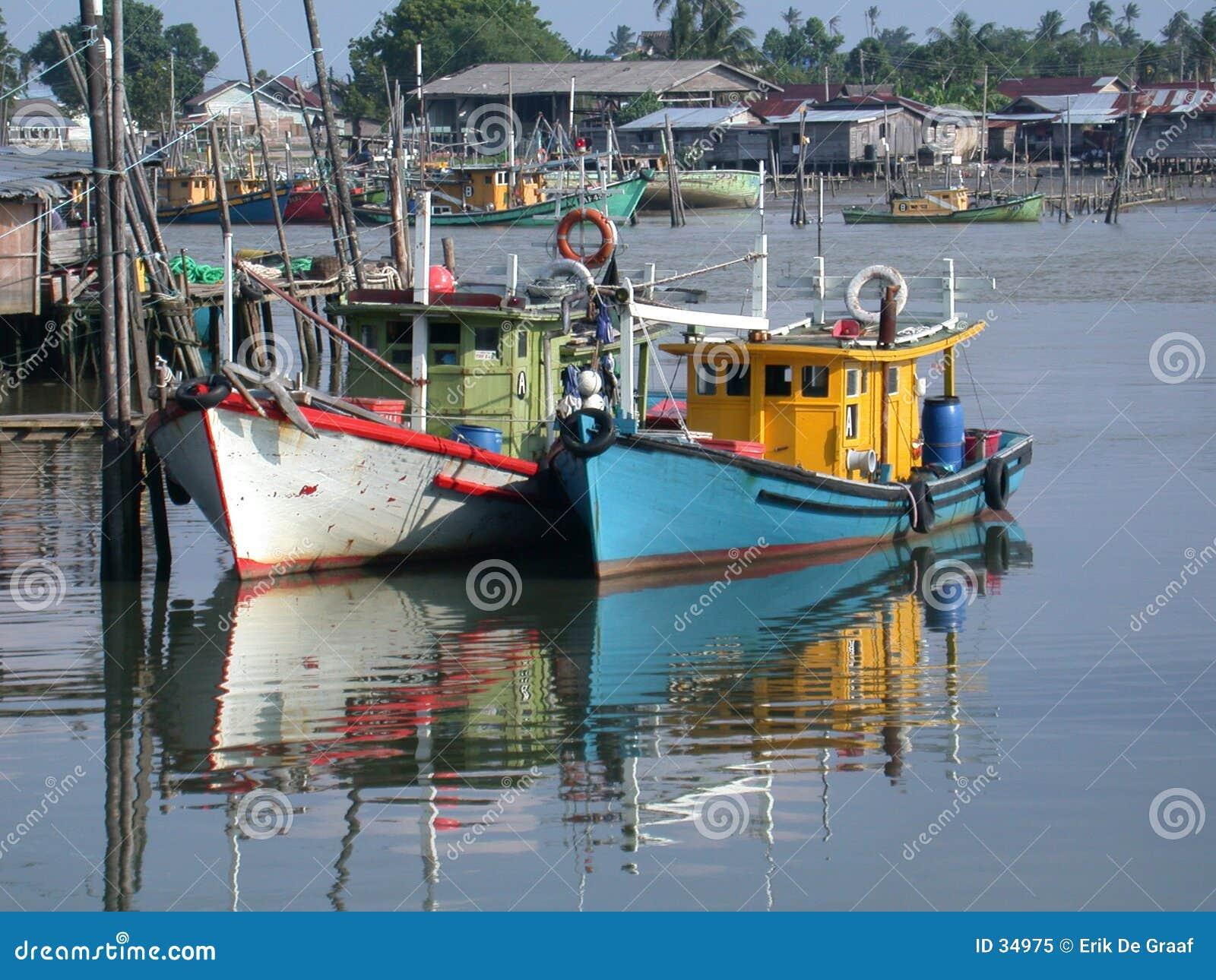 Download Barcos de pesca imagen de archivo. Imagen de postales, pescados - 34975