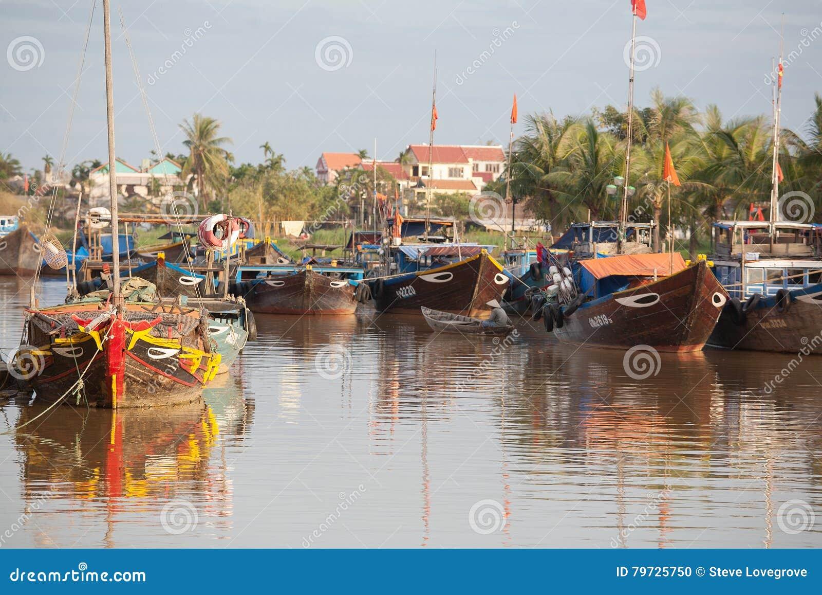 Barcos de pesca Hoi An, Vietnam