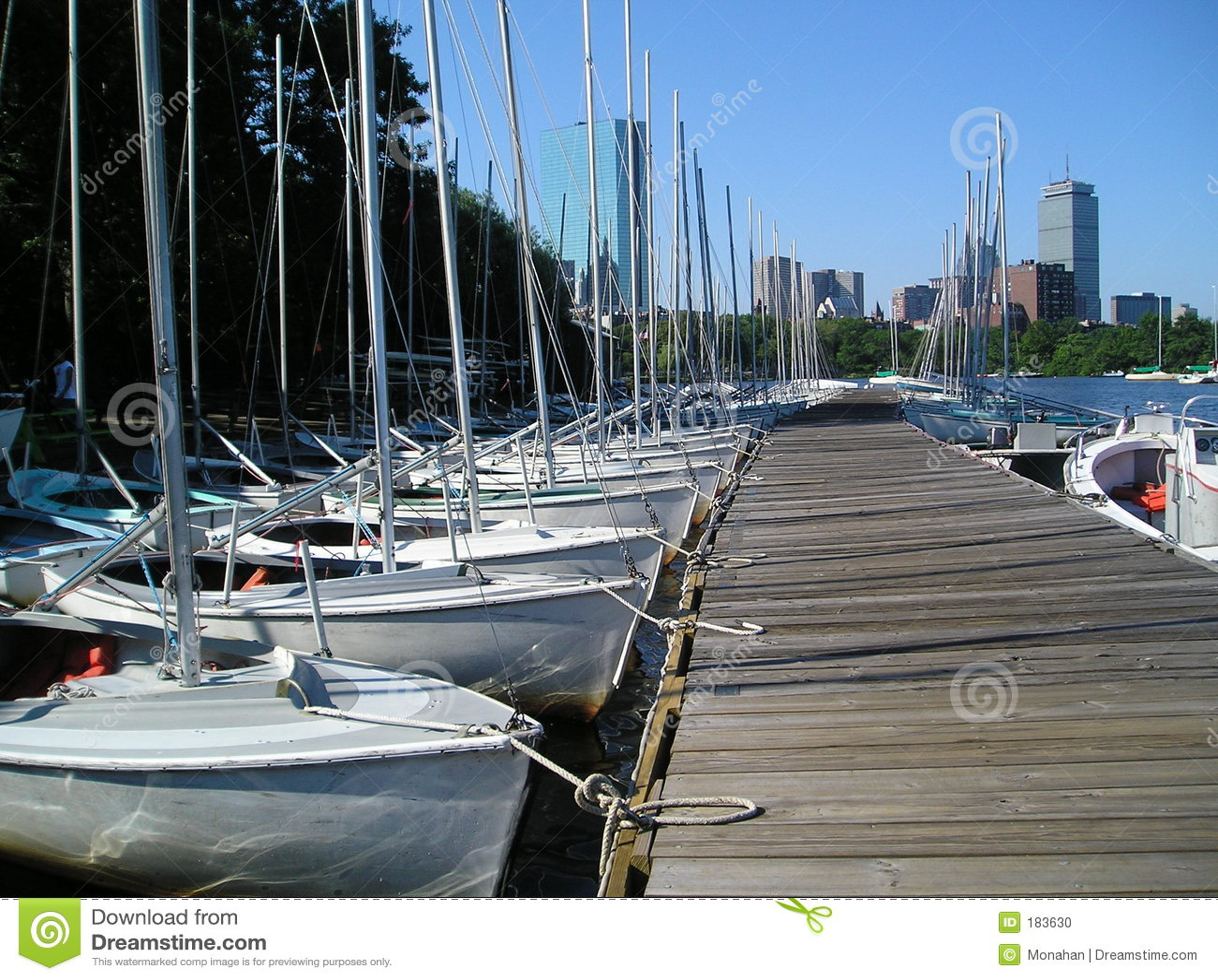 Barcos de vela de la comunidad