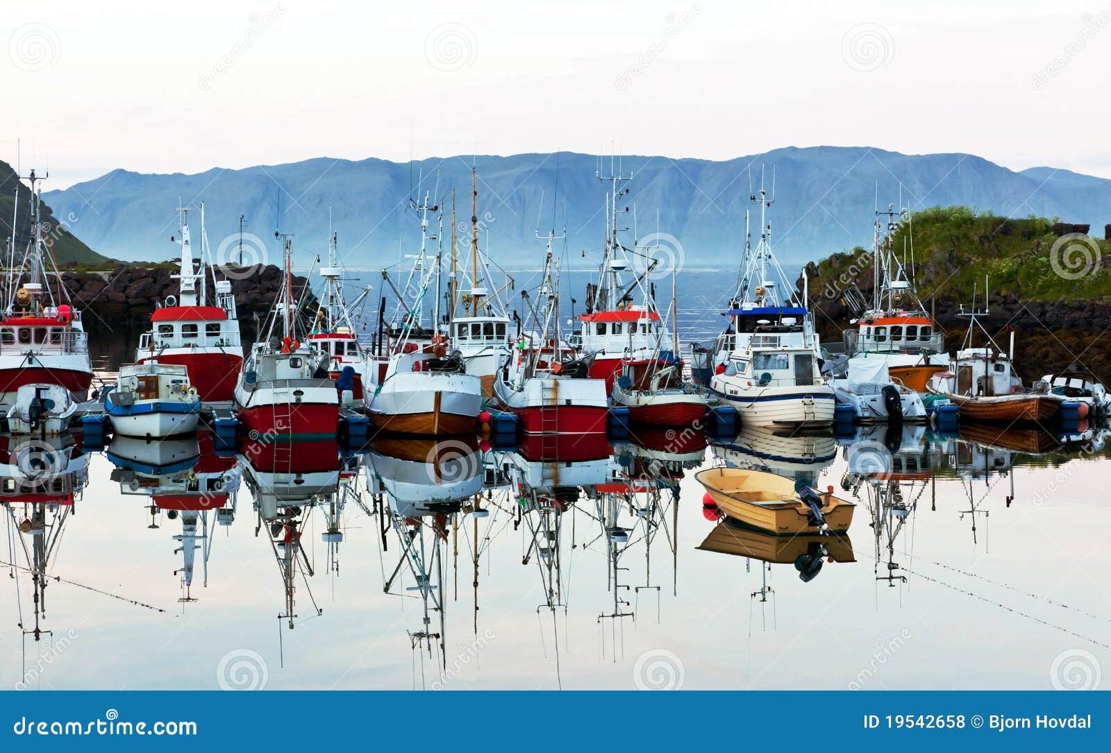 Barcos do negócio da pesca