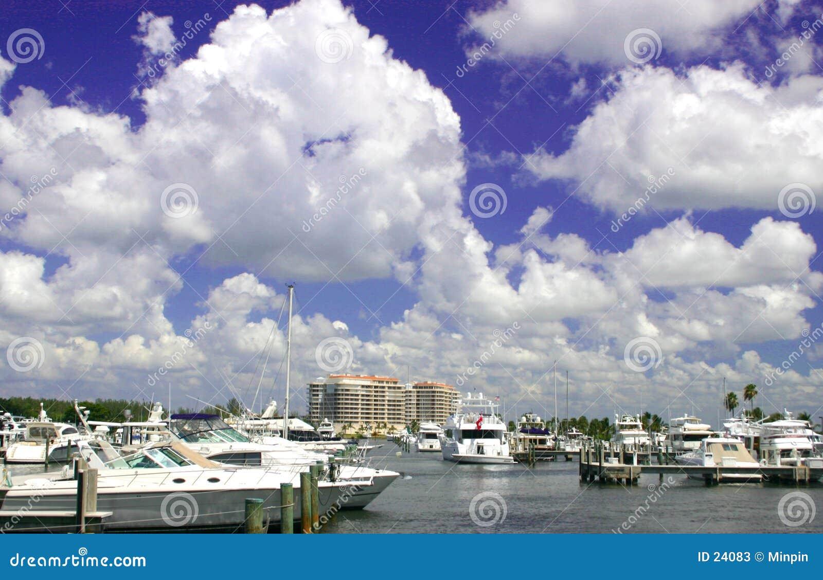 Barcos en la bahía
