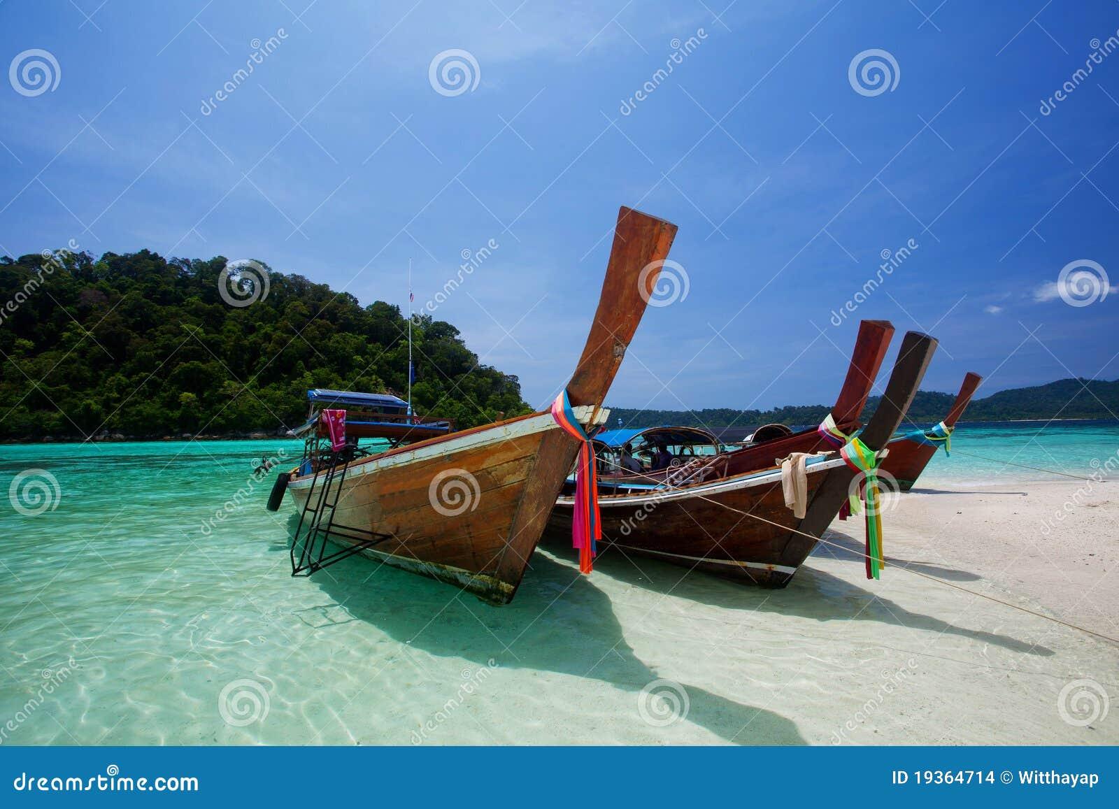 Barcos no mar