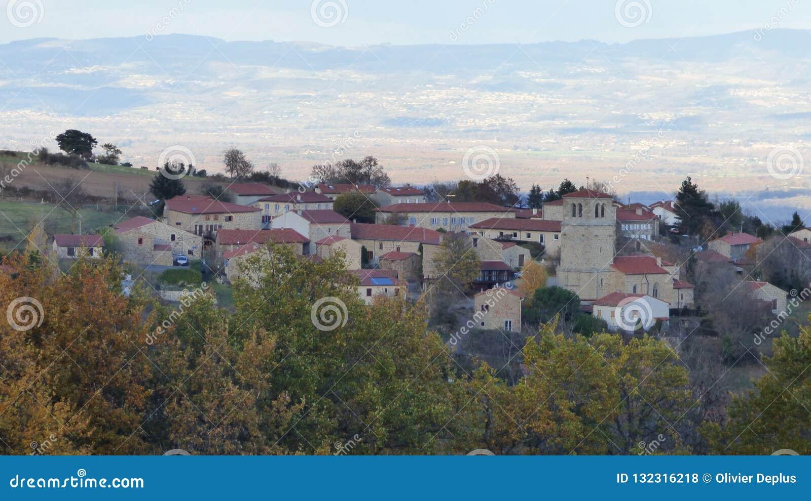 Bard, een dorp in livradois forez, Auvergne, Frankrijk