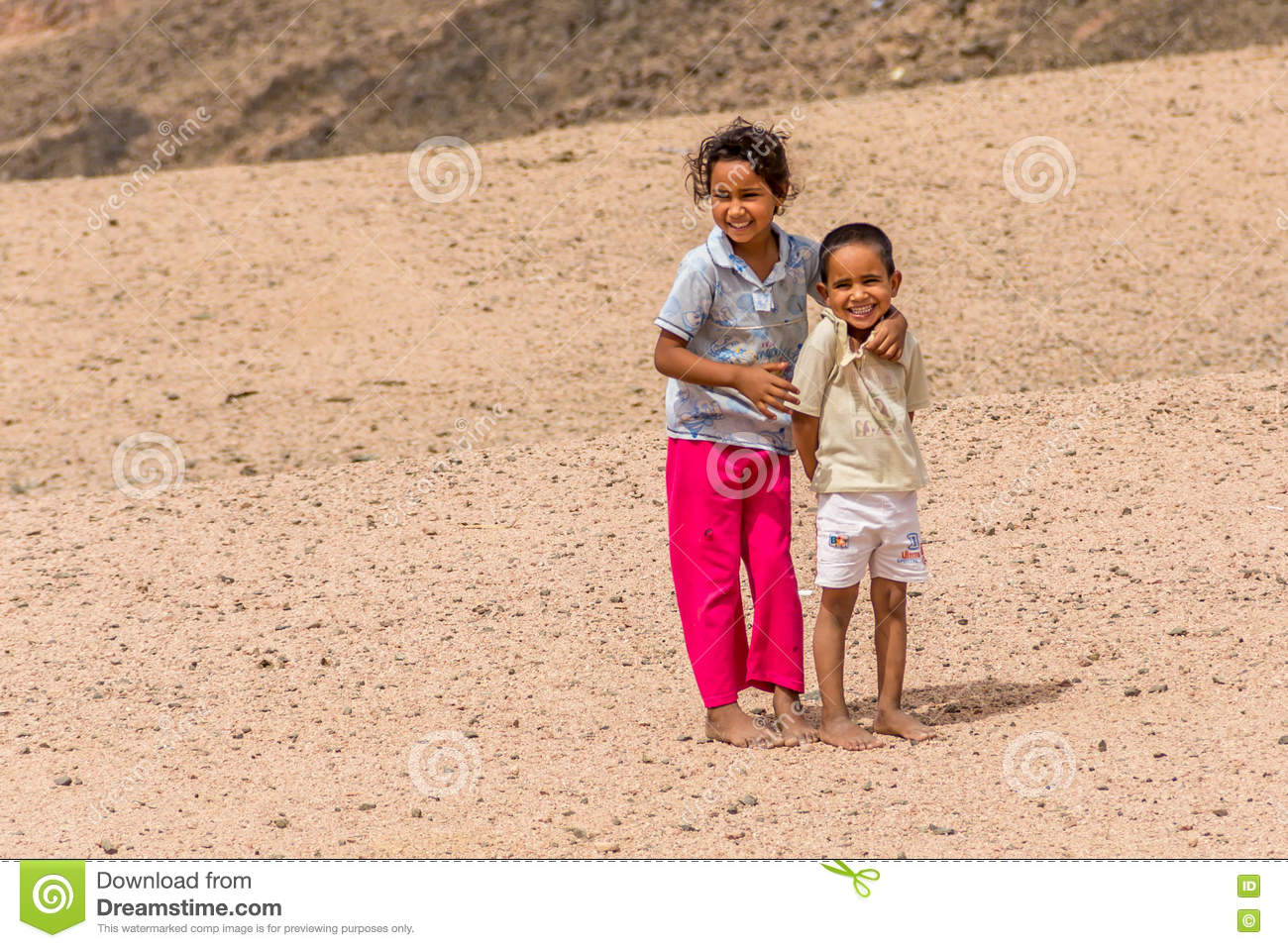 https://thumbs.dreamstime.com/z/barefoot-children-tattered-clothes-bedouin-village-posing-photos-sharm-el-sheikh-egypt-may-72286936.jpg