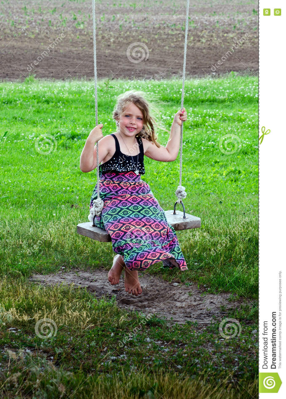 https://thumbs.dreamstime.com/z/barefoot-country-girl-swing-cute-little-sits-summers-day-73788021.jpg