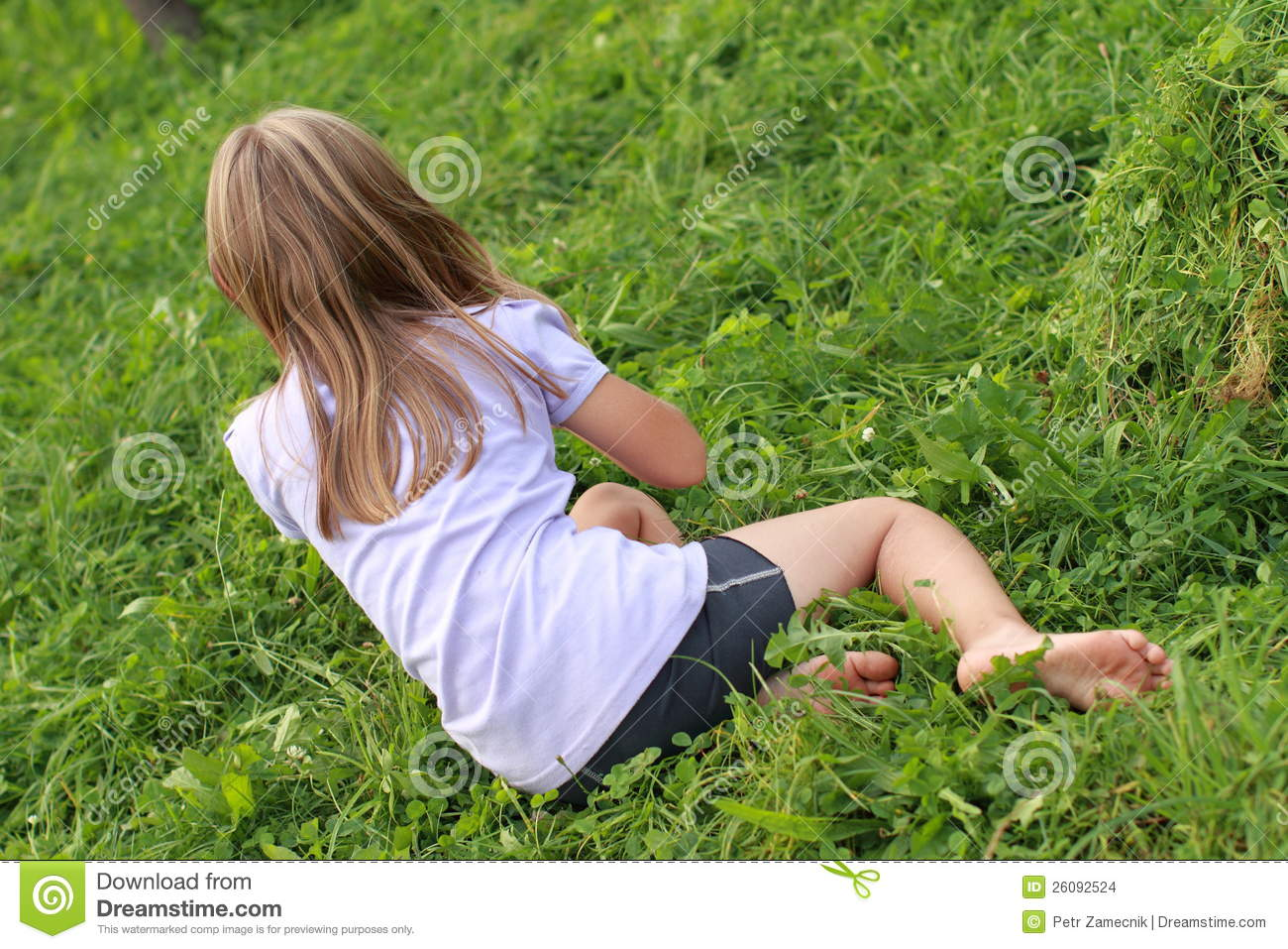 Rest Floor Plan Barefoot Girl On Grass Stock Images Image 26092524
