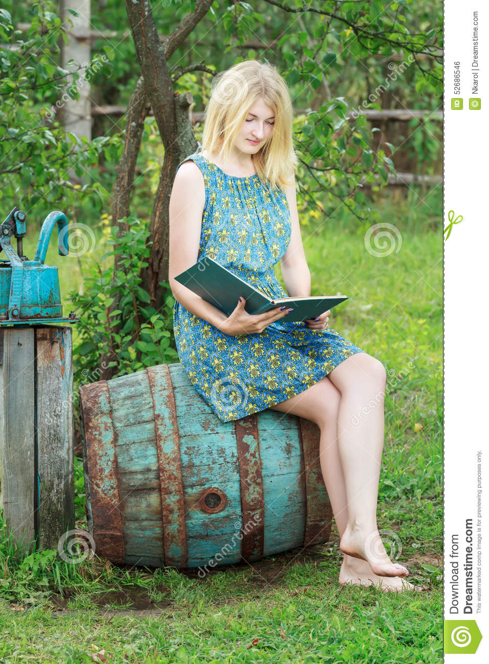 https://thumbs.dreamstime.com/z/barefoot-student-girl-garden-reading-book-blue-cover-summer-opened-52686546.jpg